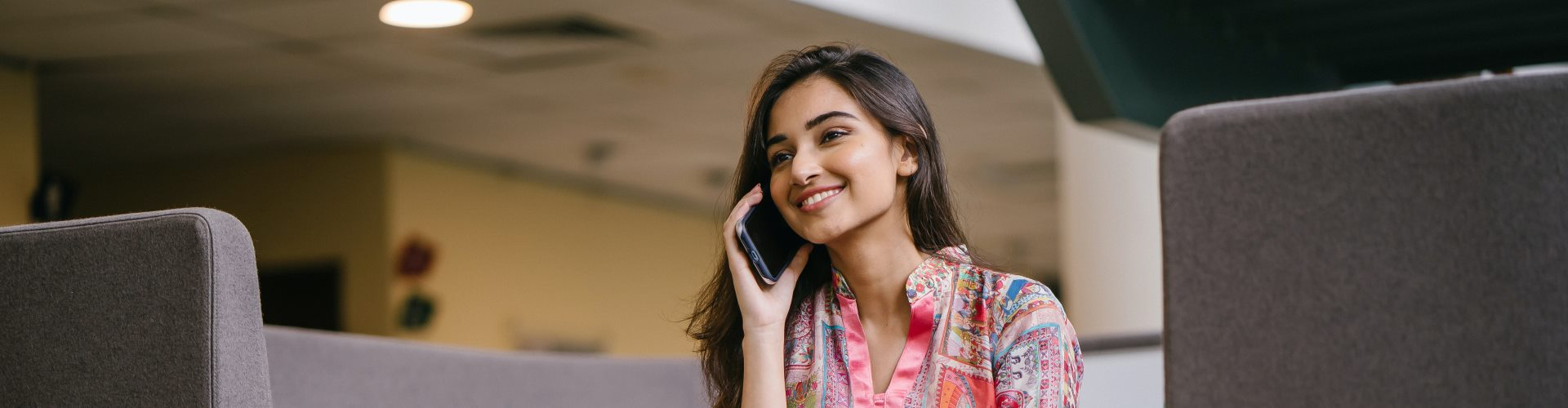 telefonierende Frau